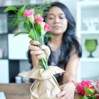 #kittymanuplaytime : Bermain dengan Fresh Flowers